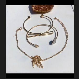 Jewelry - Three gold tone bangles
